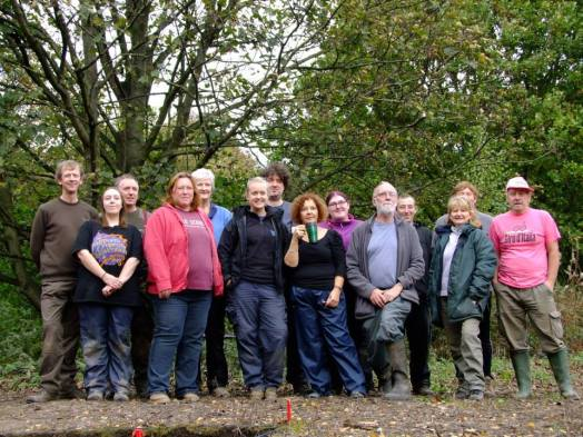 Some of our volunteers and staff on the final dig day